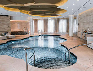 Spa mit Pool im Waldorf Astoria Berlin